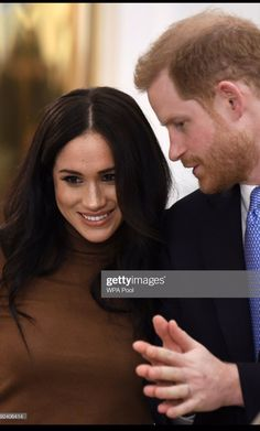 7 January 2020 - Harry and Meghan visit Canada House in London - coat by Reiss, sweater and skirt by Massimo Dutti, shoes by Jimmy Choo Prince Harry And Megan, Harry And Meghan, Meghan Markle, Princess Meghan, Black Magic Woman, Princes Diana, Visit Canada, Royal Prince, Royal Weddings