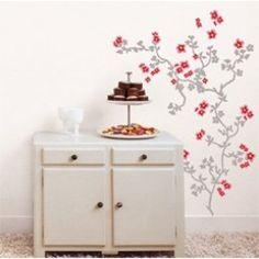 Wil je snel en makkelijk een originele afbeelding op je muur? Gebruik dan de Homestickers van Nouvelles Images, deze papieren muurstickers zijn nieuw, trendy en voordelig! Deze stickervellen bevatten hele mooie roze/rode en grijze bloemen met bijbehordend