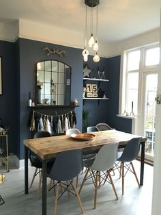 The best dark blue paint colours to use in your home interior for instant impact Dark Blue Dining Room, Dark Living Rooms, Dining Room Colors, Dining Room Walls, Dining Room Design, Home Living Room, Dark Blue Rooms, Dark Blue Kitchens, Dark Blue Paints