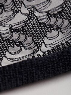 Martina Spetlova Women's Knitted Top - Houndstooth over mesh. Knitting Machine Patterns, Knitting Stiches, Knit Patterns, Hand Knitting, Textile Texture, Art Textile, Textile Design, Textiles, Fabric Manipulation