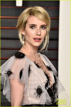 Emma Roberts Arrives in Style for Oscars 2016 Vanity Fair Party: Photo #3593745. Emma Roberts steps out in a gorgeous dress at the 2016 Vanity Fair Oscar Party held at the Wallis Annenberg Center for the Performing Arts on Sunday (February 28)…