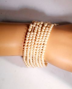 Vintage 7 Strand Faux Pearl Stretch Bracelet, 4.5mm White Pearls 1526