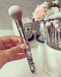Best Makeup Brushes, Makeup Brush Set, Makeup Kit, Best Makeup Products, Eye Makeup, Silver Makeup, Cosmetic Storage, Christmas Makeup, Makeup Collection