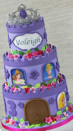 Best Castle Birthday Cakes Ideas And Designs Disney Princess Birthday Cakes, Castle Birthday Cakes, 4th Birthday Cakes, Princess Cakes, Princess Party, Birthday Ideas, Girly Cakes, Cute Cakes, Character Cakes