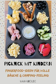 Picnicking with children: Food ideas for full bellies and camp .- Picknicken mit Kindern: Food-Ideen für volle Bäuche und Camping-Feeling – ma… Picnicking with children: food ideas for full bellies and a camping feeling – mamAhoi - Camping Ideas, Camping Snacks, Camping Activities, Tent Camping, Healthy Foods To Eat, Healthy Snacks, Healthy Recipes, Kids Meals, Easy Meals