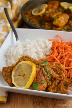 One of my all time favourite recipes, this Lemon Chilli Chicken is super simple to make and packed with flavour. If you love curries you will love this Lemon Chilli Chicken. It is citrusy, but Slimming World Dinners, Slimming World Recipes Syn Free, Slimming World Diet, Slimming Eats, Slow Cooker Recipes, Diet Recipes, Cooking Recipes, Healthy Recipes, Recipies