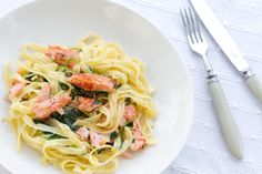 Tagliatelle with creamy spinach and pan-fried salmon