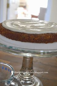 Blue Ribbon Kitchen: Prize-Winning Carrot Cake: Eating Your Vegetables. Carrot Recipes, Easy Cake Recipes, Dessert Recipes, Prize Winning Carrot Cake Recipe, Best Carrot Cake Recipe From Scratch, Date And Walnut Cake, Indian Bread Recipes, Crack Cake, Carrot Cake Cupcakes