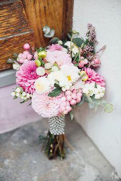 This bouquet > Bride Bouquets, Bridesmaid Bouquet, Pink Bouquet, Ikebana, Wedding Blog, Dream Wedding, Paris Elopement, French Wedding, Here Comes The Bride