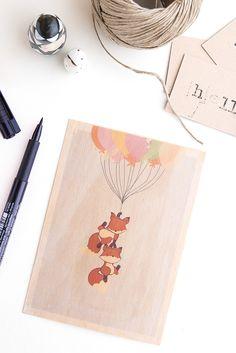 Dans ce DIY je vous explique comment réaliser le transfert d'une image sur un support en bois pour réaliser de jolies cartes postale.