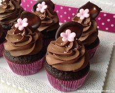 Blog o pečení všeho sladkého i slaného, buchty, koláče, záviny, rolády, dorty, cupcakes, cheesecakes, makronky, chleba, bagety, pizza. Brownie Cupcakes, Cheesecake Cupcakes, Cheesecake Brownies, Fondant Cupcakes, Mini Cupcakes, Sweet Desserts, Sweet Recipes, Dessert Recipes, Cap Cake