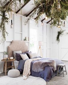 A gorgeous natural bedroom style