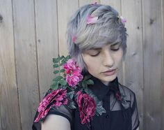 throwback to my grey hair which i miss so much 😭 i chose this photo for my self portrait in my painting class. i also think im gonna dye my hair again soon. btw septum jewelry is from ! Pretty People, Beautiful People, Selfies, Androgynous Fashion, Grey Hair, Cute Hairstyles, Pretty Boys, Hair Goals, Short Hair Styles