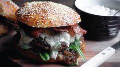 Så enkelt lager du hjemmelaget hamburger