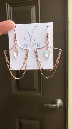 Diy Crystal Earrings, Chain Earrings, Boho Earrings, Chandelier Earrings, Gemstone Earrings, Statement Earrings, Wire Jewelry Making, Ear Jewelry, Wire Wrapped Jewelry