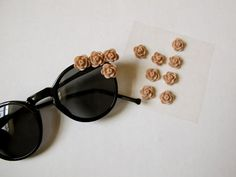 DIY: D Inspired Flower Sungalsses l Lyle Style