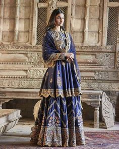 Check out 5 New Lehenga Fashion Trends for 2020 brides.From bell sleeves lehenga choli, to high waisted lehenga skirts, lots of new ideas in wedding fashion Dress Indian Style, Indian Dresses, Indian Outfits, New Lehenga, Bridal Lehenga, Blue Lehenga, Pakistani Wedding Outfits, Bridal Outfits, Indian Attire
