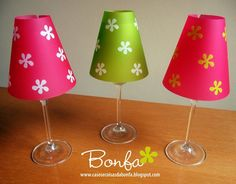 DIY Turn wine glasses into candle lamps. Home Crafts, Fun Crafts, Paper Crafts, Diy Craft Projects, Wine Glass Candle Holder, Candle Holders, Design Creation, Battery Operated Tea Lights, Diy Candles
