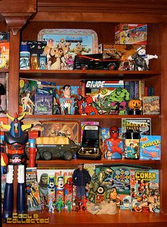 Shelf expression — Rearranging my vintage toy collection Retro Toys, Vintage Toys, Retro Games, Toy Shelves, Toy Display, Toy Rooms, Childhood Toys, Childhood Memories, Toy Collector