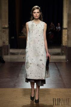 Hermès Fall-winter 2014-2015 - Ready-to-Wear - http://www.flip-zone.net/fashion/ready-to-wear/fashion-houses-42/hermes-4644