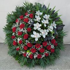 Creative Flower Arrangements, Funeral Flower Arrangements, Funeral Flowers, Romantic Flowers, Exotic Flowers, Beautiful Flowers, Funeral Sprays, Funeral Urns, Wedding Altar Decorations