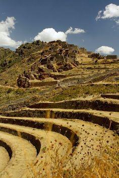 Jour 12 : Découverte de la Vallée Sacrée des Incas : site archéologique de Pisaq
