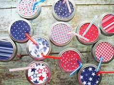 Add fun red, white and blue paper to mason jars for a fun traditional twist! Perfect for that Memorial Day barbeque. #DIY