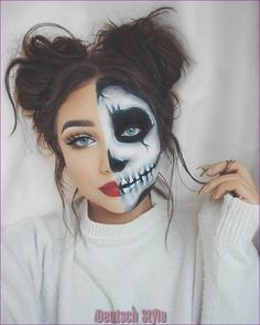 Looking for for inspiration for your Halloween make-up? Browse around this website for cute Halloween makeup looks. Fröhliches Halloween, Cute Halloween Makeup, Halloween Makeup Youtube, Pretty Halloween Costumes, Halloween Makeup Clown, Skeleton Halloween Costume, Sugar Skull Halloween, Halloween Tutorial, Halloween Inspo