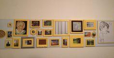 Onze lijstenwand met foto's en spiegels in wording: details worden nog verbeterd.  Walldecoration, frames. Lijsten.