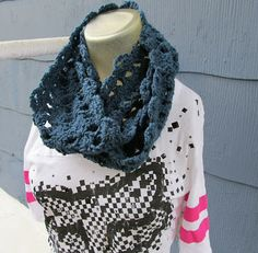 crochet mama's blog: Simple Shell Stitch Infinity Scarf FREE Pattern