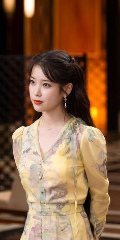 Kpop Outfits, Korean Outfits, Fashion Outfits, Cute Korean Girl, Asian Girl, Korean Celebrities, Celebs, Iu Hair, Cosmic Girl