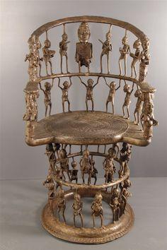 Trône Tikar (4230) - Trône - Art Africain African House, Afrique Art, Origami Artist, African Crafts, African Sculptures, Art Premier, Art Carved, Masks Art, Indigenous Art