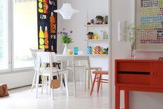 APT | Kitchen table