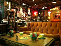 Central perk <3, better known as the greatest place in the world