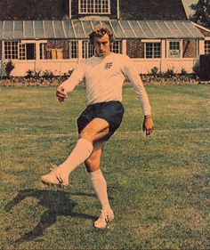 Circa May 1971. Tottenham Hotspur and England centre forward Martin Chivers.