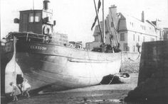 Clyde Puffer Saxon Dutch Barge, Glasgow, Edinburgh, Boat Art, Old Boats, Maritime Museum, Picture Search, Submarines, Boat Building