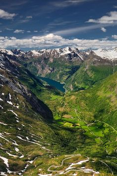 Geirangerfjord, Norway \\ Pawel Kucharski The Geirangerfjorden is a fjord in the Sunnmøre region of Møre og Romsdal county, Norway. It locat...