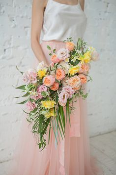 A Blooming Spring Wedding full of Lush Flowers - Hey Wedding Lady