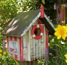 Casitas de pajaros on pinterest wine corks birdhouses - Cosas para el jardin ...