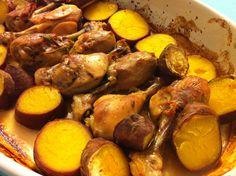 Coxas de Frango Assadas com Batata Doce - http://www.receitassimples.pt/coxas-de-frango-assadas-com-batata-doce/