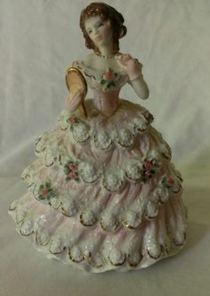 Delightful Royal Worcester Limited Edition Debutante figurine Lady Sophie