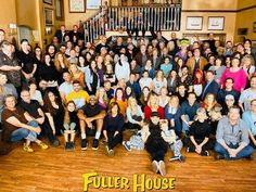 Browse behind-the-scenes photos from the filming of the final episode of Netflix's 'Fuller House. House Jokes, Full House Memes, Full House Funny, Full House Cast, Full House Tv Show, House Serie, Nickelodeon Game Shows, Michael Champion, House Season 5