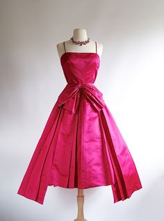 Vintage Haute Couture Silk Satin Party Dress ~ Hot Pink Cocktail Dress by xtabayvintage on Etsy Vintage 1950s Dresses, Vintage Outfits, Vintage Clothing, Vintage Shoes, Image Fashion, Pink Cocktail Dress, Vintage Couture, 1950s Fashion, Club Fashion