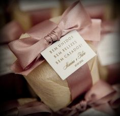 74 modelos de favores do casamento para seus convidados - Invitación-Recordatorios-Estampas - Wedding Gift Boxes, Wedding Favors, Diy Wedding, Rustic Wedding, Wedding Gifts, Wedding Invitations, Dream Wedding, Wedding Decorations, Wedding Day