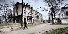 City of Shadows - een fotoserie uit 2007 van Martin Stavars - more images on http://on.dailym.net/1U8vCit #City-Of-Shadows, #Fotograaf, #Fotoserie, #Martin-Stavars, #Polen