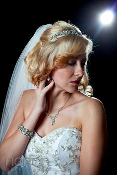 #bride #jewelry matching necklace bracelet and tiara. photo by Southern California and destination #wedding photographer http://nathanielnortonphotography.com/wordpress/