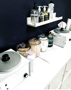 Home Beauty Salon, Home Nail Salon, Nail Salon Design, Beauty Salon Interior, Salon Interior Design, Beauty Studio, Beauty Salon Design, Beauty Spa, Home Spa Room