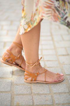478c89ffacc7 Barefoot Schuhe, Flache Schuhe Damen, Flache Sandalen, Kleidung, Beine, Tan  Ledersandalen