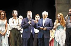 Michele Guardì, il Sindaco Virginio Brivio e tutto il cast ringraziano il pubblico