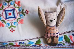 love the thoughtful mix of fabrics and textures! wassupbrothers on etsy